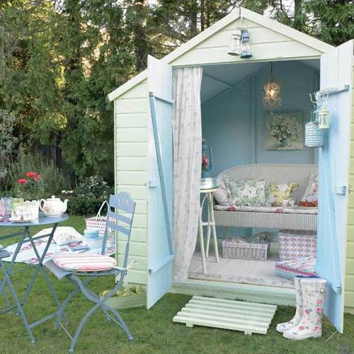 aiakujundus-romantiline-aiamaja-ajamööbel